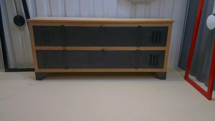 Image issue du site web - Chaise loft industriel ...