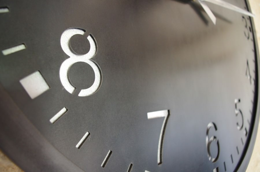 horloge murale g ante indus heure cr ation. Black Bedroom Furniture Sets. Home Design Ideas