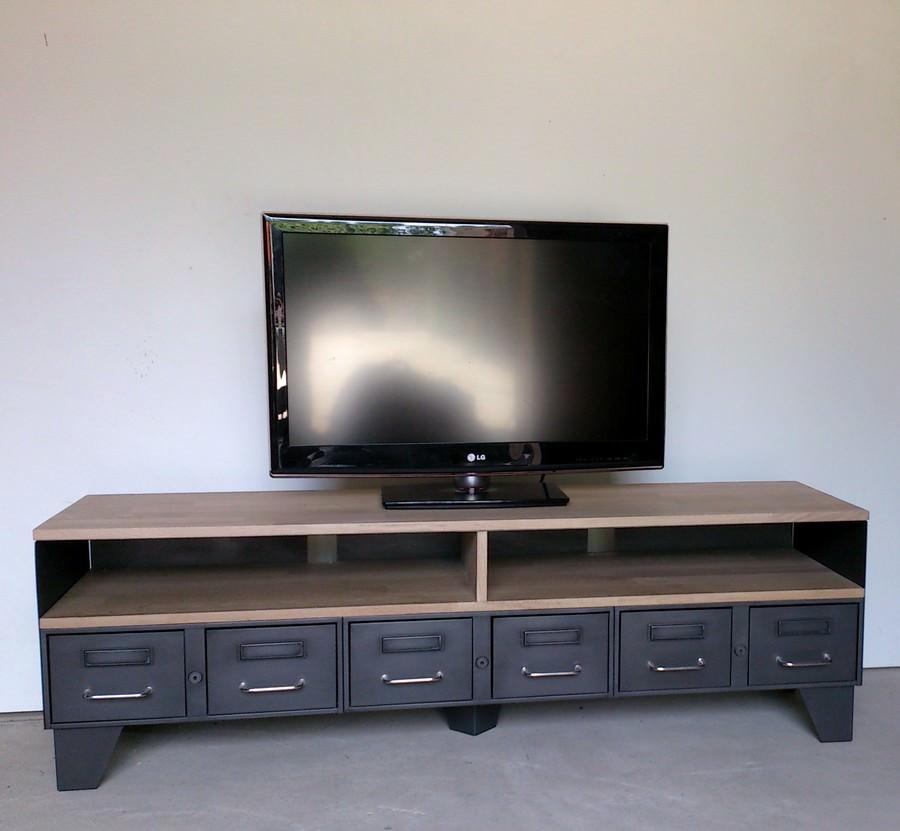meuble tv industriel tiroirs et niche pour les appareils. Black Bedroom Furniture Sets. Home Design Ideas