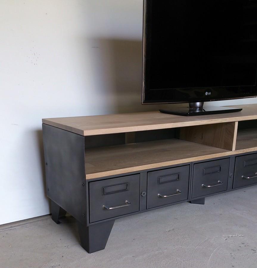 meuble tv industriel tiroirs et niche pour les appareils heure cr ation. Black Bedroom Furniture Sets. Home Design Ideas