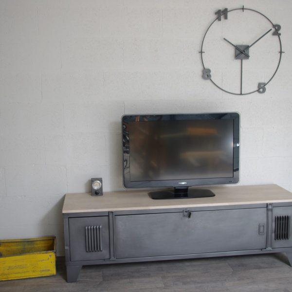 Vestiaire meuble tv industriel usine restaur m tal et bois for Meuble tv large
