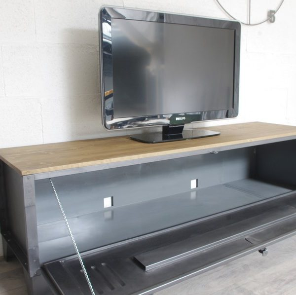 meuble tv avec rangement dvd 4 meuble tv vestiaire porte large 2 ukbix. Black Bedroom Furniture Sets. Home Design Ideas
