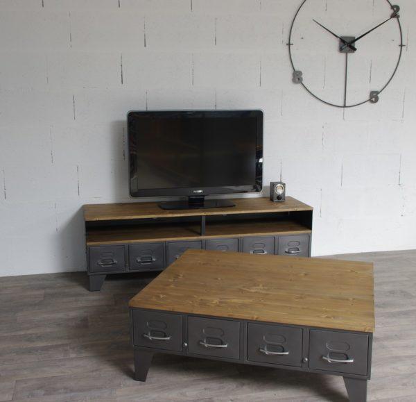 table basse de style industriel