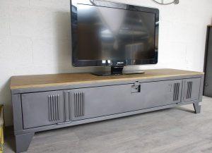un meuble tv style industriel en bois et metal