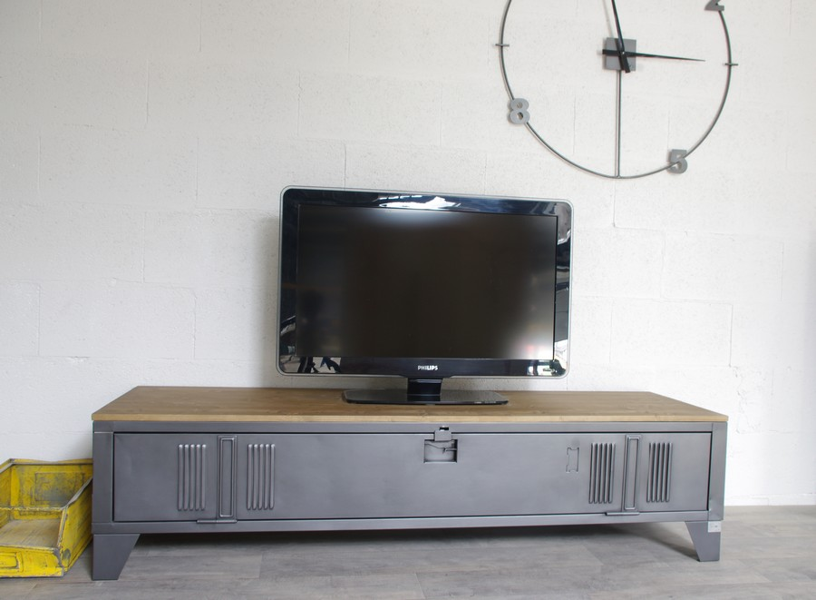 Beautiful meuble tv style industriel images for Meuble tv metal ikea