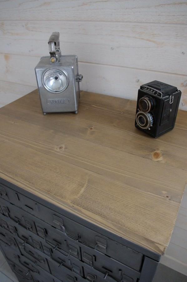Meuble buffet d 39 atelier tiroirs industriel restauration de notre atelier - Meuble ancien restaure ...