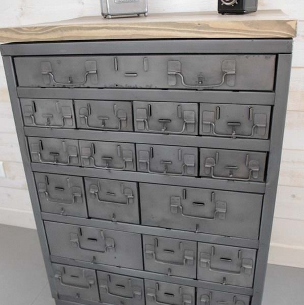 meuble buffet d 39 atelier tiroirs industriel. Black Bedroom Furniture Sets. Home Design Ideas