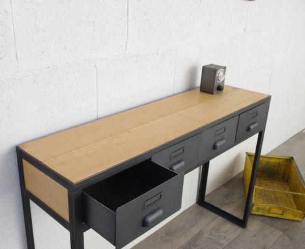 une console en acieret bois avec tiroirs industriel en chene massif