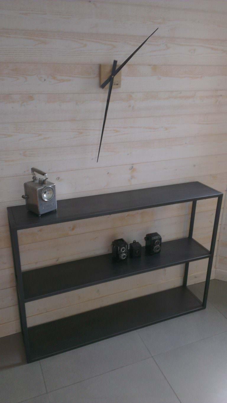 console en acier et etagères brut