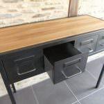 console d 'entrée en acier et bois