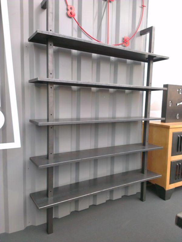 etagères style loft en acier sur-mesure