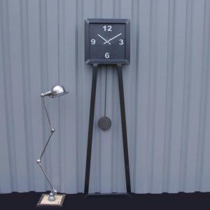 Horloge geante industrielle
