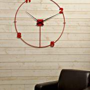 horloge géante loft rouge par heure création et chiffres laser