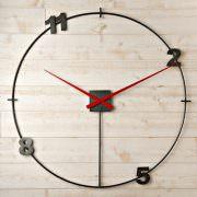 horloge heure création en acier brut, aiguilles géantes loft rouge