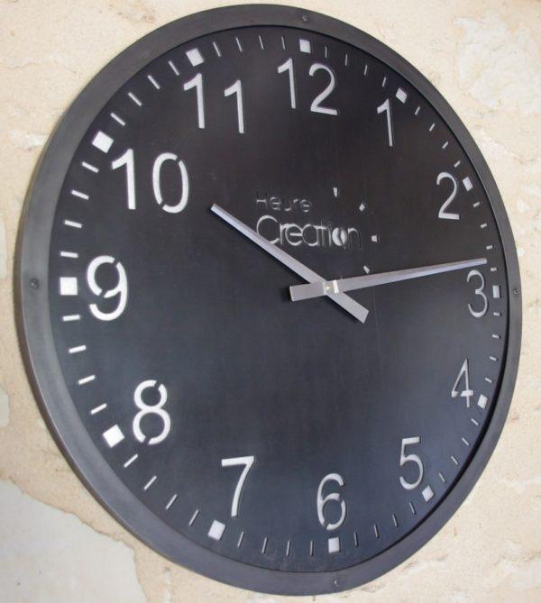 horloge murale géante indus