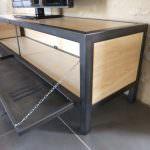 meuble tv en bois et acier et porte de vestiaire