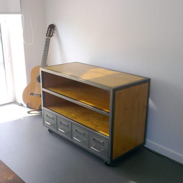 meuble tv bois et metal tiroirs de m decin restaur s. Black Bedroom Furniture Sets. Home Design Ideas