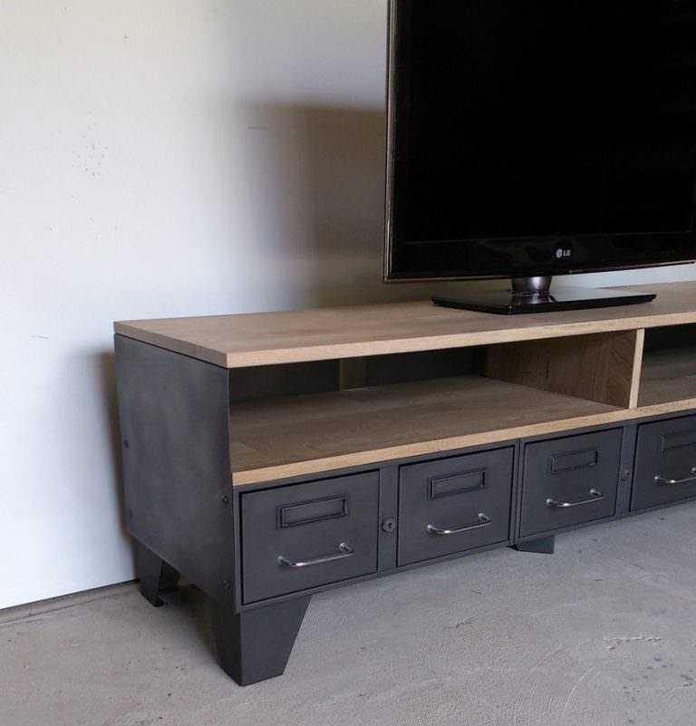 meuble tv en acier et chene industriel