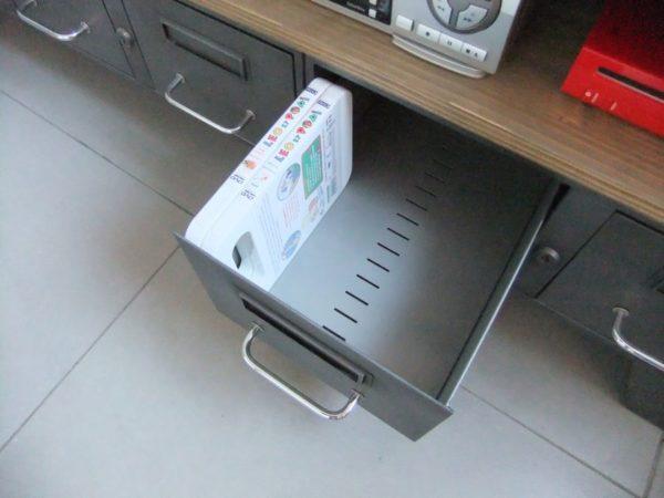 meuble tv industriel d' atelier et tiroirs