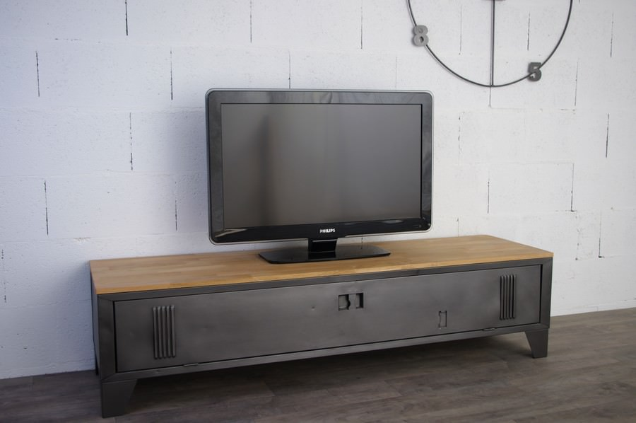 Vestiaire transform en meuble tv industriel metal et bois for Meuble de tv industriel