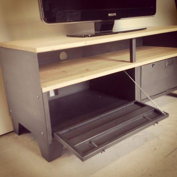 meuble tv industriel avec rangement et niche
