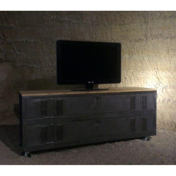 un meuble tv industriel avec vestiaire