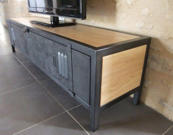 meuble tv en acier et bois ancienne porte de vestiaire