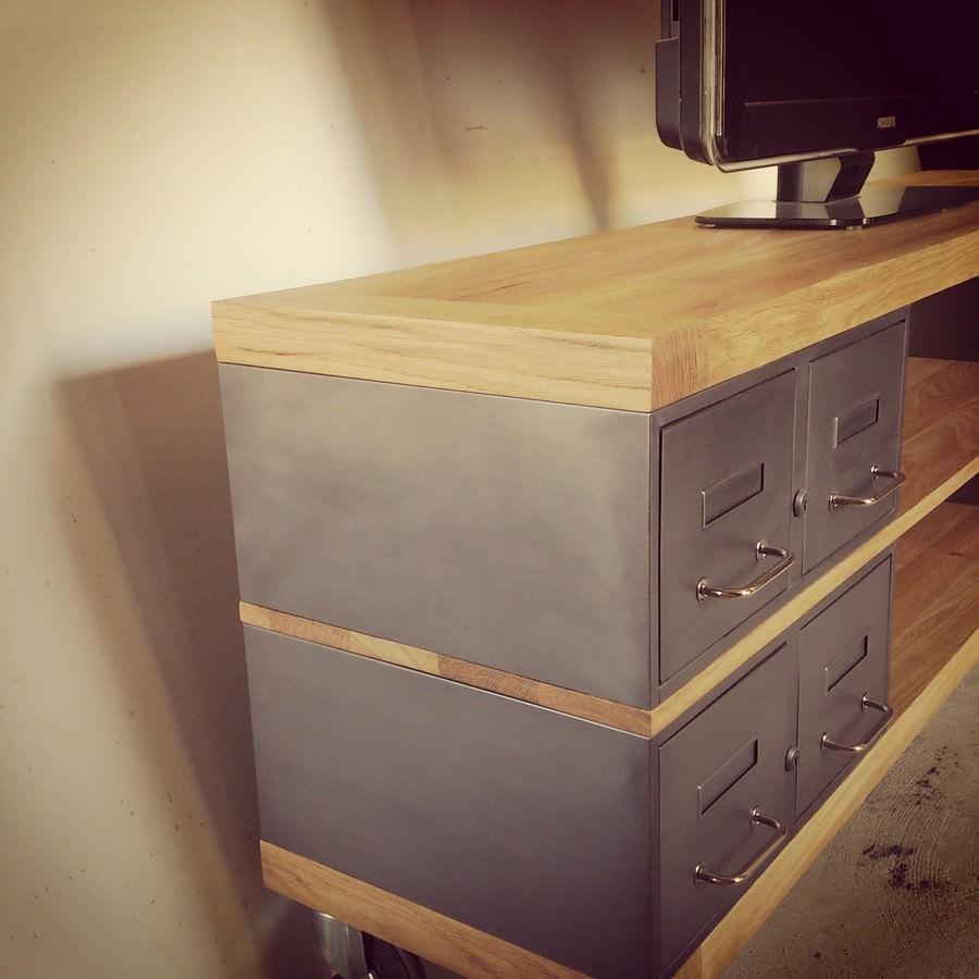 Industriel meuble tv m tal et bois tiroirs for Meuble design sur mesure
