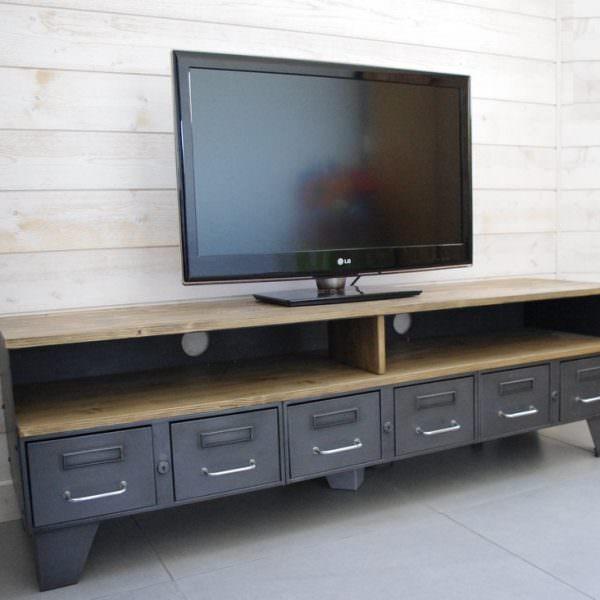 meuble tv m tal industriel tiroirs et niche pour les appareils. Black Bedroom Furniture Sets. Home Design Ideas