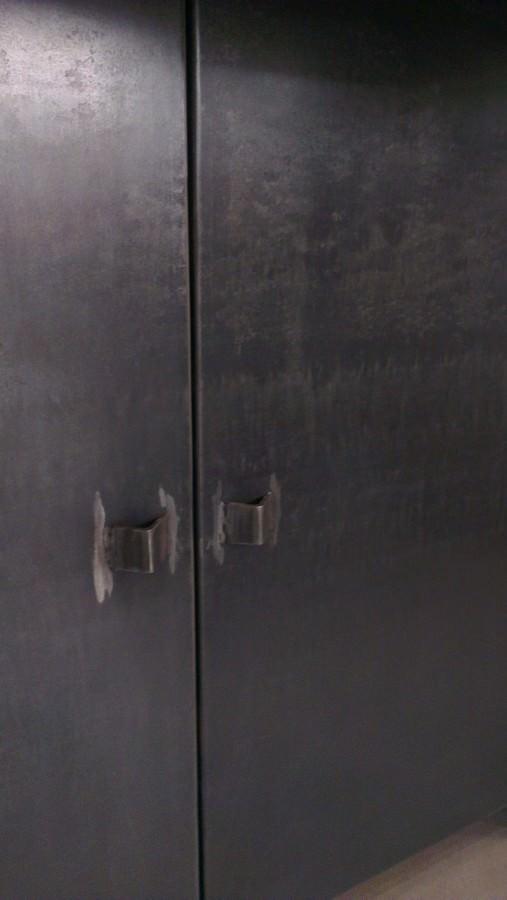 Meuble industriel sur mesure pour magasin acier brut et for Meuble acier industriel