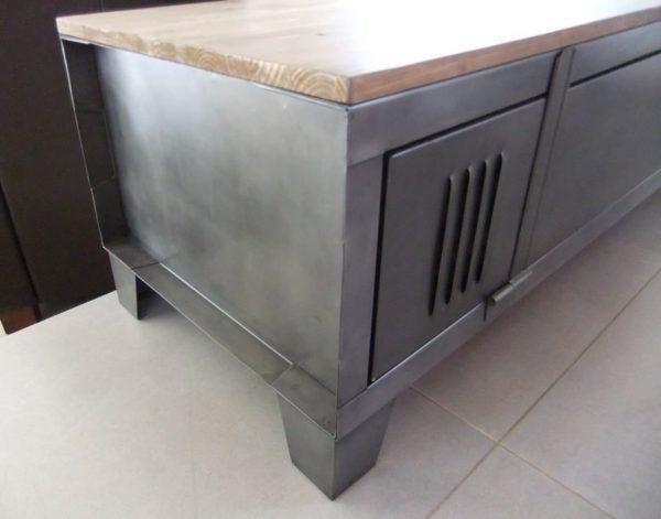 meuble tv industriel avec porte de vestiaire
