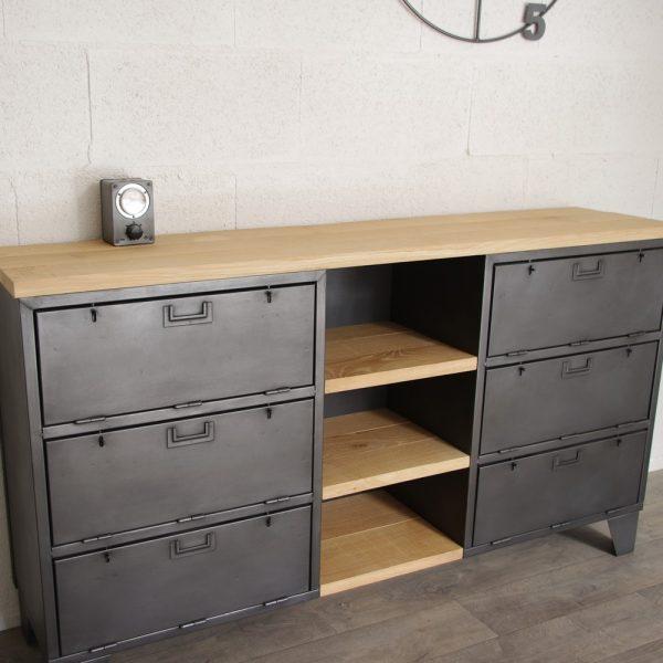 buffet de rangement industriel avec casiers militaires et. Black Bedroom Furniture Sets. Home Design Ideas
