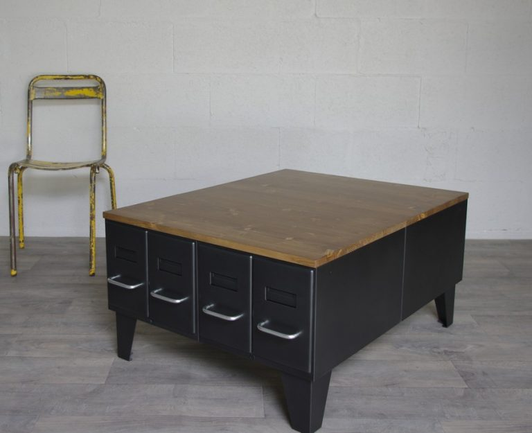 table basse style industriel avec tiroirs hauts restaur s. Black Bedroom Furniture Sets. Home Design Ideas