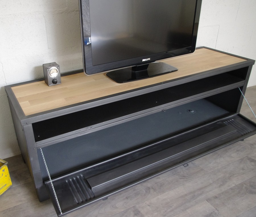 meuble tv avec ancien vestiaire et niche ref milwaukee heure cr ation. Black Bedroom Furniture Sets. Home Design Ideas