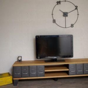 meuble tv style industriel à tiroirs