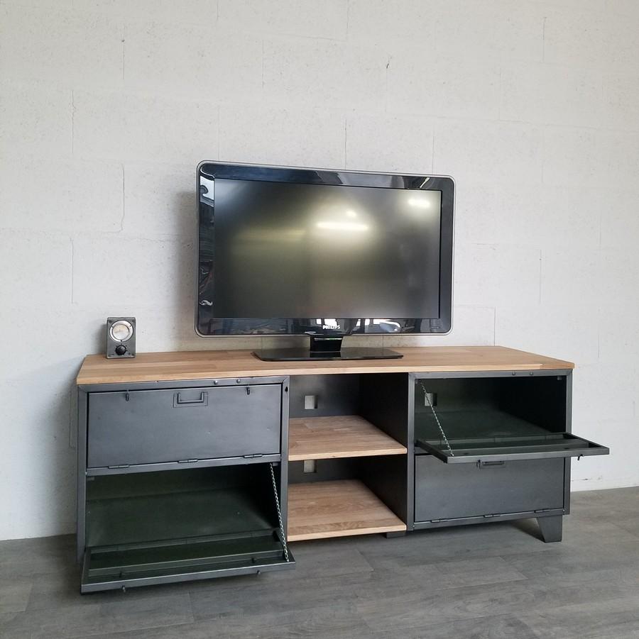 Meuble Tv Industriel Avec Portes Et Niches Ref Phoenix Heure  # Meuble Tv Casier