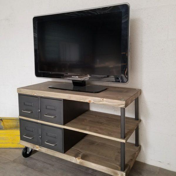 Meuble tv industriel à tiroirs