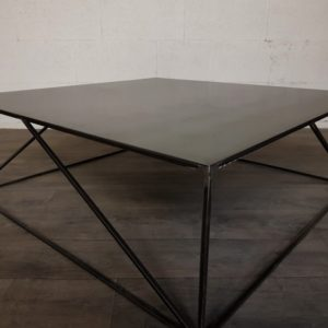 table basse en acier sur mesure