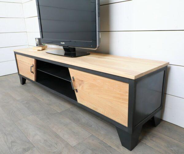 meuble-tv-style-industriel-portes-coulissantes